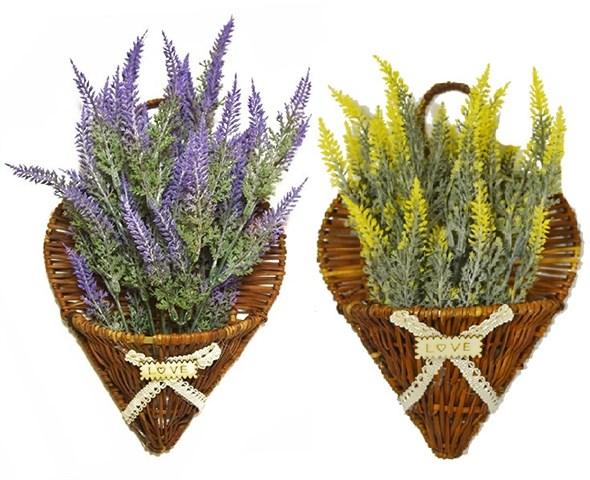 Цветок искусственный в плетенной настенной корзине в ассортименте разные цвета - фото 14483
