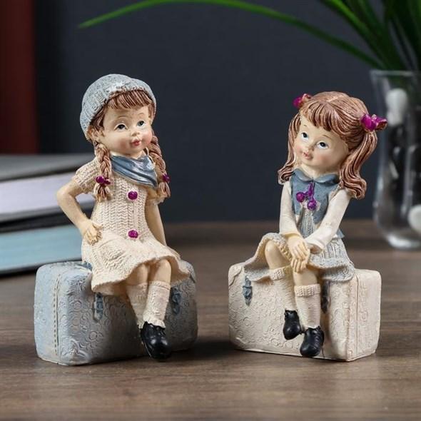 "Статуэтка ""Девочка на чемодане"", цена за штуку - фото 24095"
