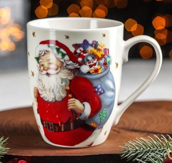 """Кружка """"Дед Мороз с подарками"""" 300 мл - фото 24821"""