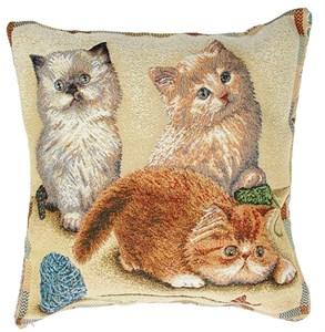 "Наволочка из гобелена ""Три котенка"" 50х50 см"