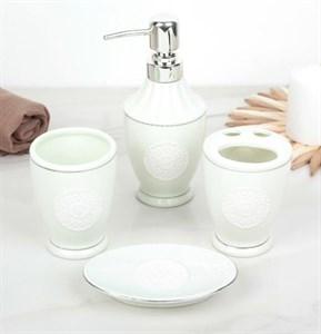 """Набор для ванной """"Мята"""" из четырех предметов"""