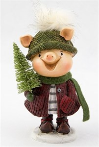 """Статуэтка """"Свинка с елкой в красном свитере"""""""