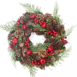 Венок новогодний с ягодами диаметр 35 см