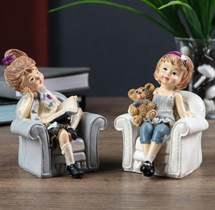 """Статуэтка """"Девочка в кресле"""", цена за штуку"""