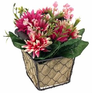 Цветы искусственные в корзине
