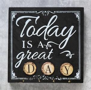 """Панно """"Сегодня великий день"""" с крючками"""