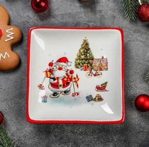 "Блюдо новогоднее ""Дед Мороз с подарками"" 15х15 см"
