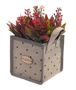 Цветы искусственные в сумочке красные